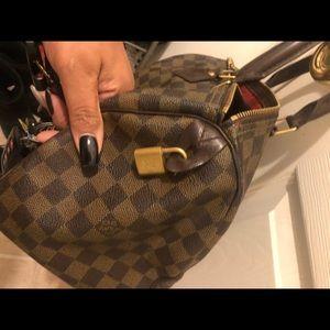 Louis Vuitton 25 Damier